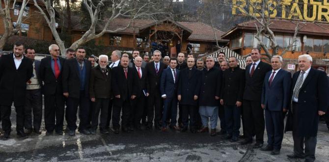 Vali Demirtaş, Pozantı'da Mahalli Muhtarları ve stk Temsilcileriyle Bir Araya Geldi.