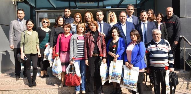 Büyükşehir'den kadın gazetecilere hediye