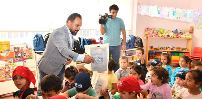 """Başkan Uludağ,"""" Çocuklarımıza hayvan ve doğa sevgisini aşılamalıyız"""""""