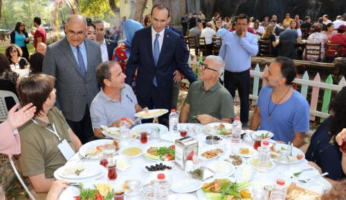 """Başkan Çay'ın """" USTALIK"""" Eseri: """"BELEMEDİK"""" BÜYÜLÜYOR"""
