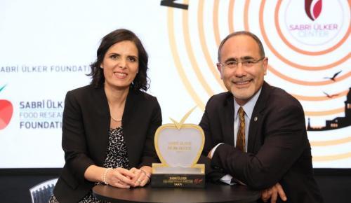 Sabri Ülker Bilim Ödülü Doç. Dr. Elif Nur Fırat Karalar'ın